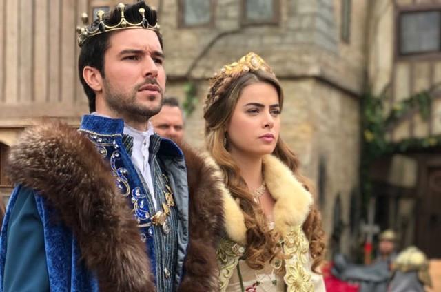 Bernardo Velasco e Rayanne Morais em cena da novela Belaventura (2017) | Foto: Divulgação (Record)