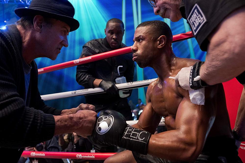 Sylvester Stallone, Wood Harris e Michael B. Jordan em cena do filme Creed II (2018) | Foto: Divulgação (Warner Bros. Pictures)
