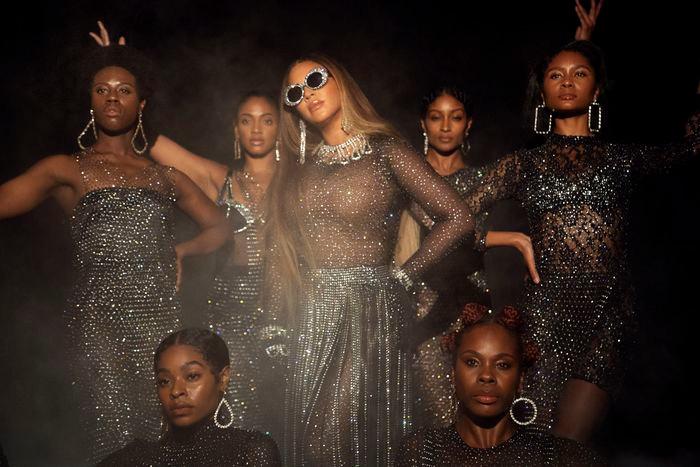 Cena do filme musical e álbum visual Black Is King (2020), da cantora norte-americana Beyoncé | Foto: Divulgação