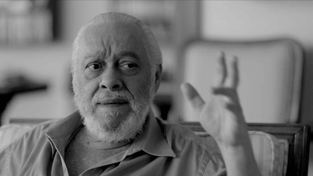 O compositor Paulo César Pinheiro em cena do documentário brasileiro Paulo César Pinheiro – Letra e Alma (2021), de Cleisson Vidal e Andrea Prates | Foto: Divulgação (É Tudo Verdade)