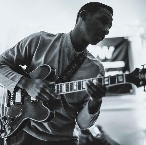O cantor norte-americano de soul Leon Bridges   Foto: Divulgação