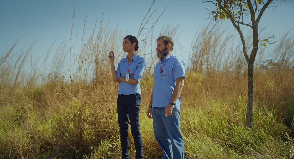 Renata Carvalho e Leandro Faria Lelo em cena do filme brasileiro Vento Seco (2020), do cineasta goiano Daniel Nolasco | Foto: Divulgação (Olhar Distribuição)