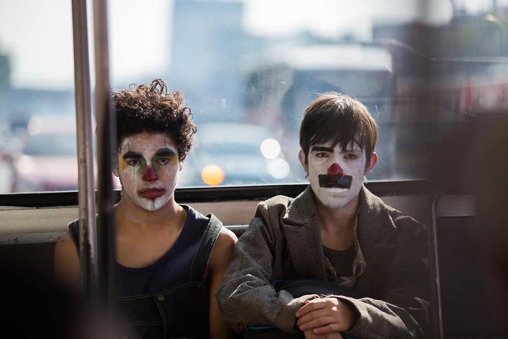 Benny Emmanuel e Gabriel Carbajal em cena do filme mexicano Chicuarotes (2019), de Gael García Bernal | Foto: Diculgação (Supo Mungam)