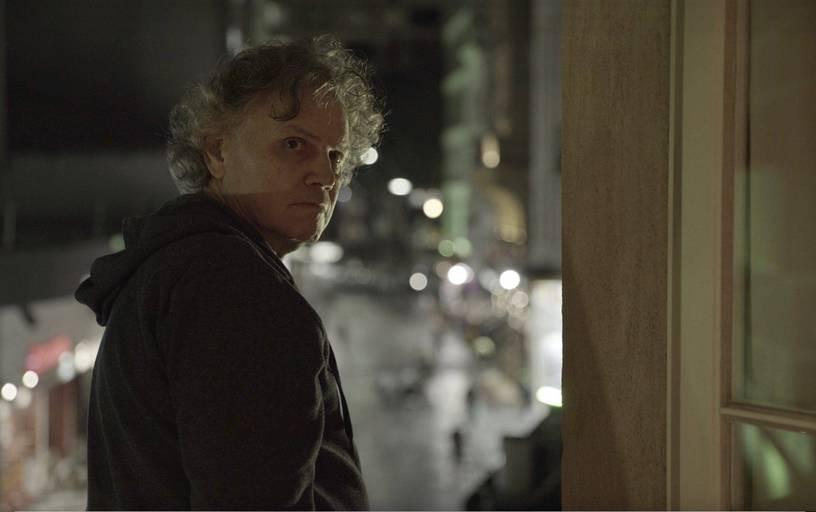 O músico Arrigo Barnabé em cena do média-metragem brasileiro Ostinato (2021), documentário de Paula Gaitán | Foto: Divulgação (Mostra Tiradentes)