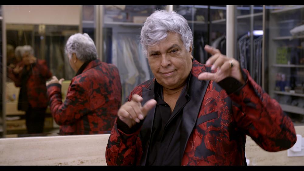 O cantor Sidney Magal em cena do documentário Me Chama que Eu Vou (2020), de Joana Mariani | Foto: Divulgação (Mar Filmes)