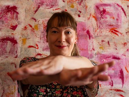 LEMBRO MAIS DOS CORVOS + TEA FOR TWO | Entrevista com a atriz e diretora Julia Katharine