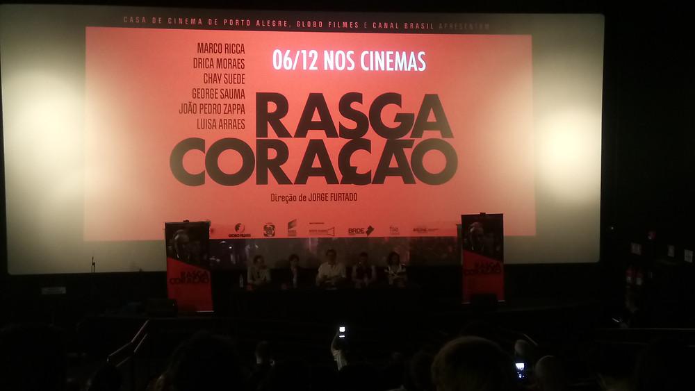 Os atores Marco Ricca e Drica Moraes, o cineasta Jorge Furtado, o ator Chay Suede e a produtora Nora Goulart na coletiva de imprensa do filme Rasga Coração (2018), em São Paulo | Foto: Nayara Reynaud