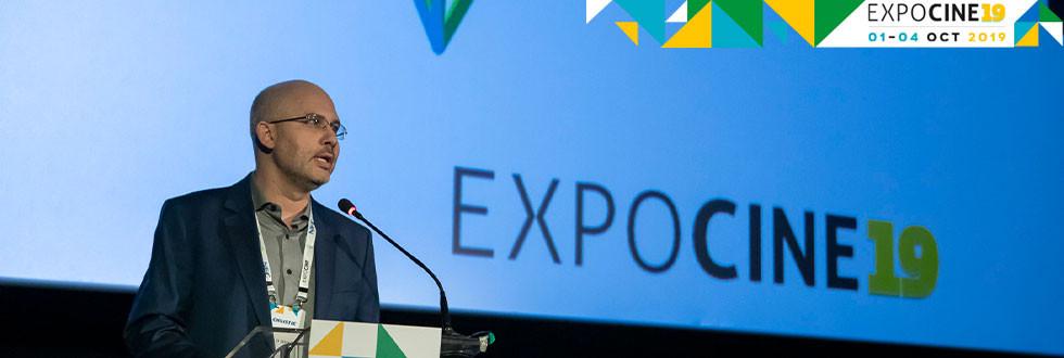 Marcelo J. L. Lima, fundador da Expocine, na abertura do evento nesta terça (1)   Foto: Divulgação (Expocine)