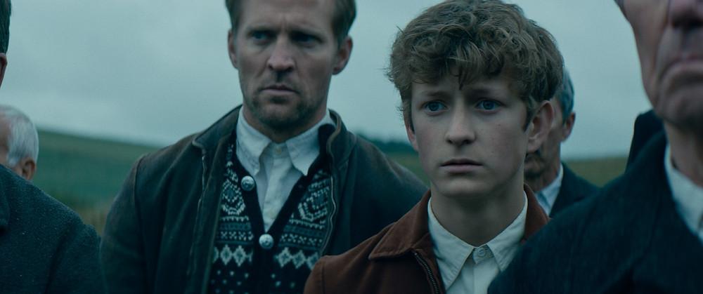 Tobias Santelmann e Jon Ranes em cena do filme norueguês-sueco-dinamarquês Cavalos Roubados (Ut Og Stjæle Hester, 2019) | Foto: Divulgação