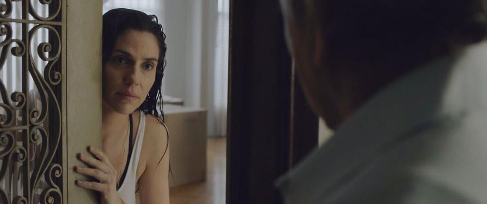 Rafaela Mandelli e José Dumont em cena de Intimidade entre Estranhos (2018) | Foto: Divulgação (Galeria Distribuidora)