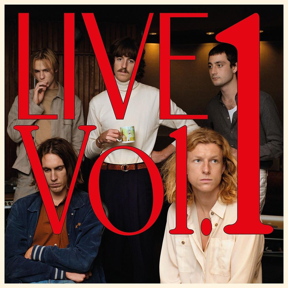 Capa do álbum Live Vol. 1 (2020), da banda australiana de eletropop e disco soul Parcels | Foto: Divulgação