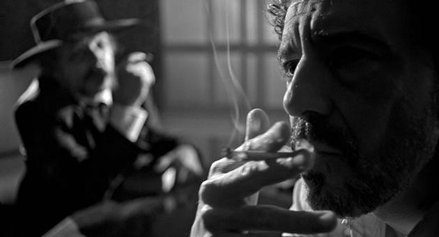 Julio Adrião e Emílio de Mello em cena do filme nacional Aos Pedaços (2019), novo longa de Ruy Guerra | Foto: Divulgação