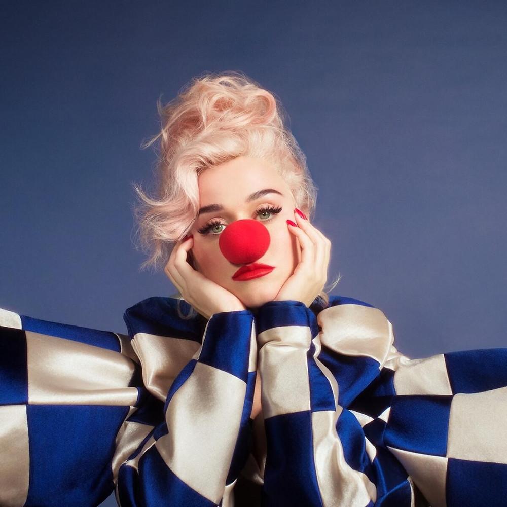 A cantora norte-americana Katy Perry na capa do single Smile | Foto: Divulgação