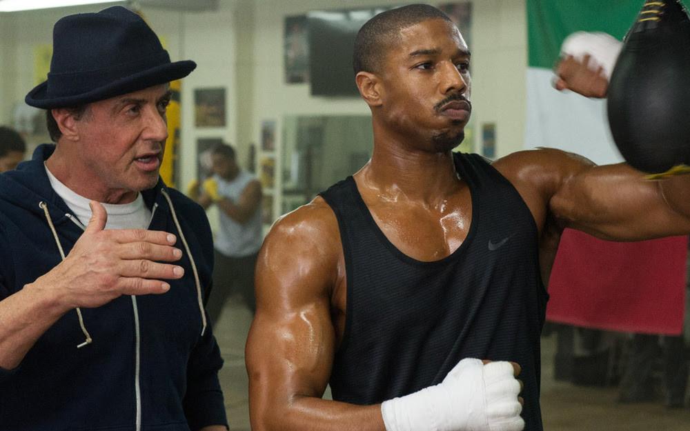 Sylvester Stallone e Michael B. Jordan em cena do filme Creed: Nascido Pra Lutar (2015) | Foto: Divulgação