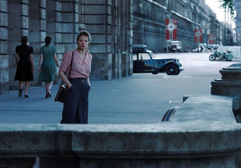 Mélanie Thierry na pele de Marguerite Duras em cena de Memórias da Dor (2017), filme francês baseado em sua obra semibiográfica A Dor (1985) | Foto: Divulgação (Imovision)