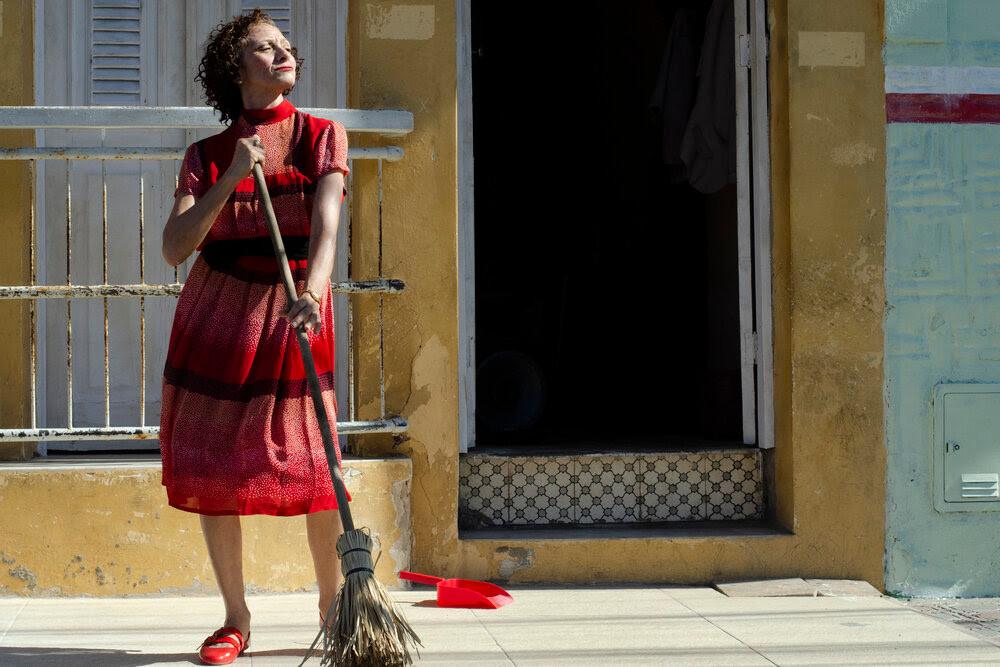 Marcélia Cartaxo em cena do filme brasileiro Pacarrete (2019), do cineasta cearense Allan Deberton | Foto: Divulgação (Vitrine Filmes)