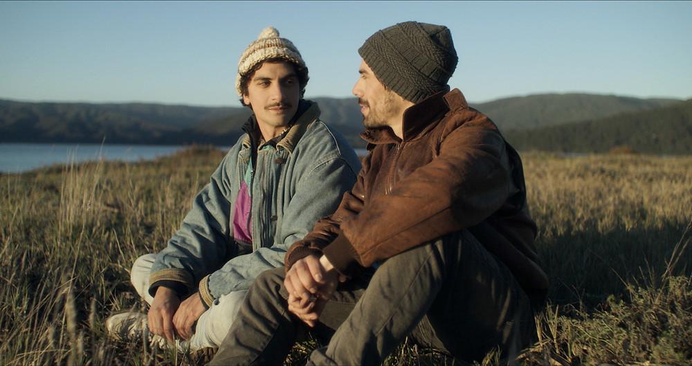 Antonio Altamirano e Samuel González em cena do filme chileno Los Fuertes (2019), de Omar Zúñiga | Foto: Divulgação (Festival de Gramado)