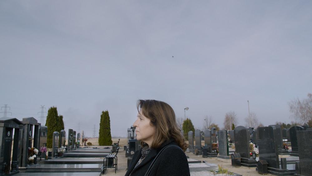 Mirjana Karanović no filme sérvio Réquiem Para a Sra. J (Rekvijem za Gospodju J., 2017), de Bojan Vuletić | Foto: Divulgação (Zeta Filmes)