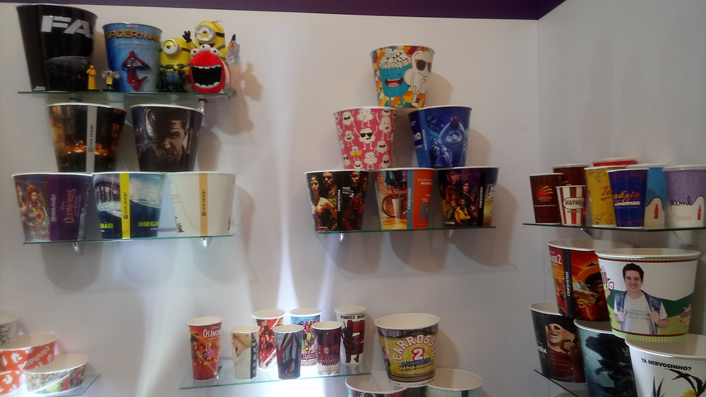 Baldes de pipoca e copos customizados no estande da Soluplex na Expocine18 | Foto: Nayara Reynaud