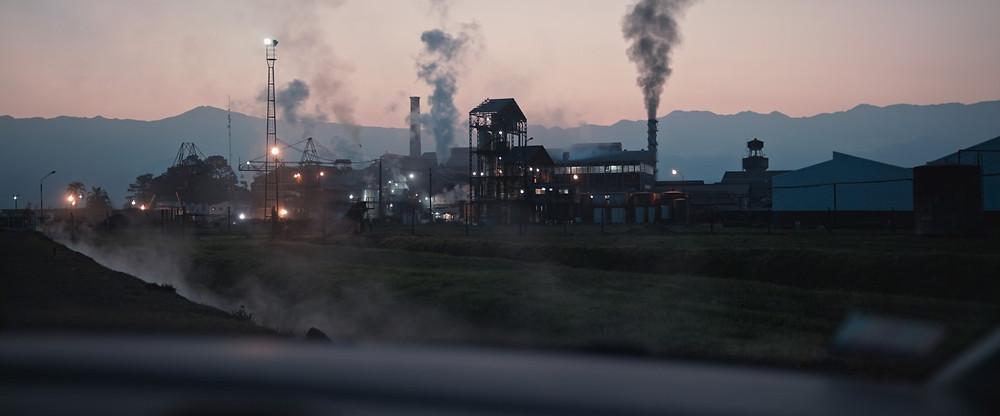 Cena do documentário argentino Responsabilidade Empresarial (2020), de Jonathan Perel | Foto: Divulgação