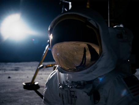 O PRIMEIRO HOMEM | O astronauta de pequenos passos, gestos e palavras