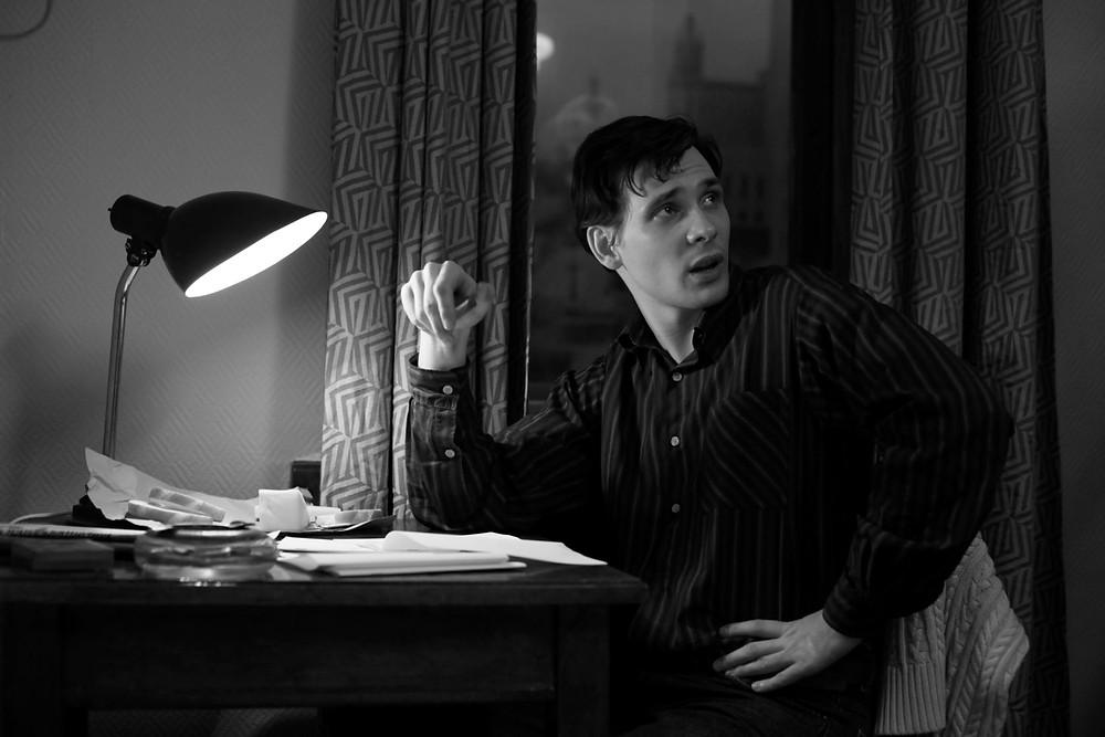 Anton Rival em cena do filme de época russo O Francês (Frantsuz, 2019), de Andrei Smirnov | Foto: Divulgação (1º Festival de Cinema Russo)