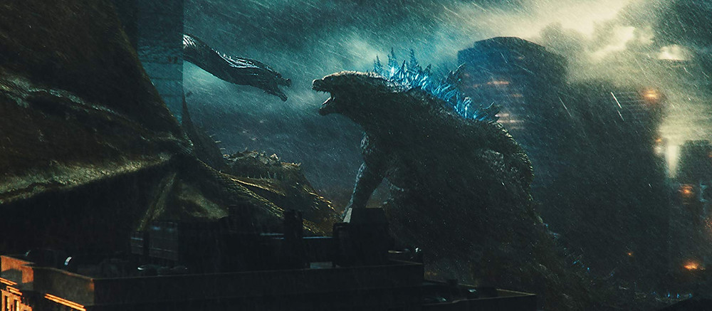 A hidra de três cabeças Ghidorah contra o famoso Godzilla em cena do filme Godzilla II: Rei dos Monstros (2019) | Foto: Divulgação