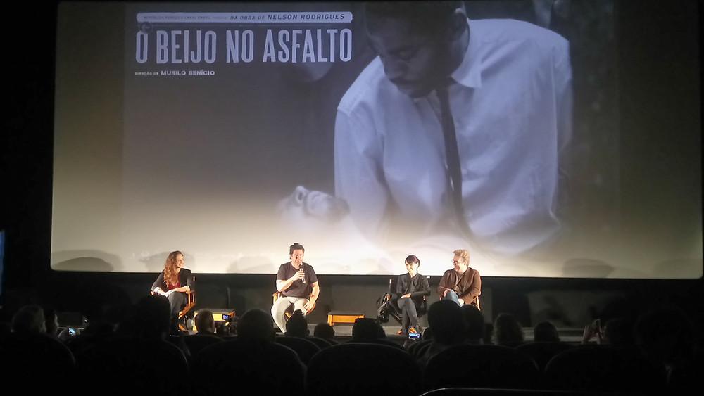 A atriz Luiza Tiso, o diretor Murilo Benício e os atores Débora Falabella e Augusto Madeira na coletiva de imprensa do filme O Beijo no Asfalto, em São Paulo | Foto: Nayara Reynaud