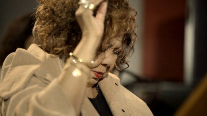 A cantora Alcione em cena do documentário O Samba É Primo do Jazz (2020), de Angela Zoé | Foto: Divulgação (Festival de Gramado)