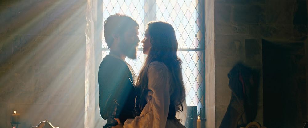 Diogo Amara e Joana de Verona no filme português Pedro e Inês: O Amor Não Descansa (2018) | Foto: Divulgação