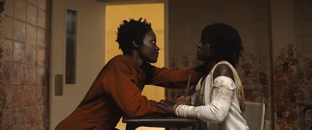 Lupita Nyong'o em dose dupla na cena no terror Nós (2019), novo filme de Jordan Peele | Foto: Divulgação