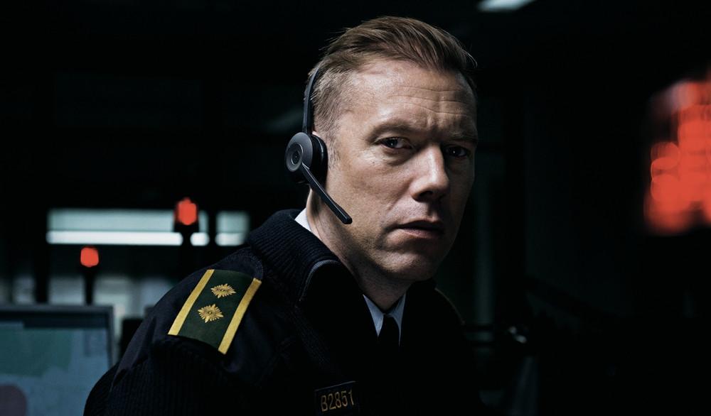 Jakob Cedergren no filme dinamarquês Culpa (2018) | Foto: Divulgação