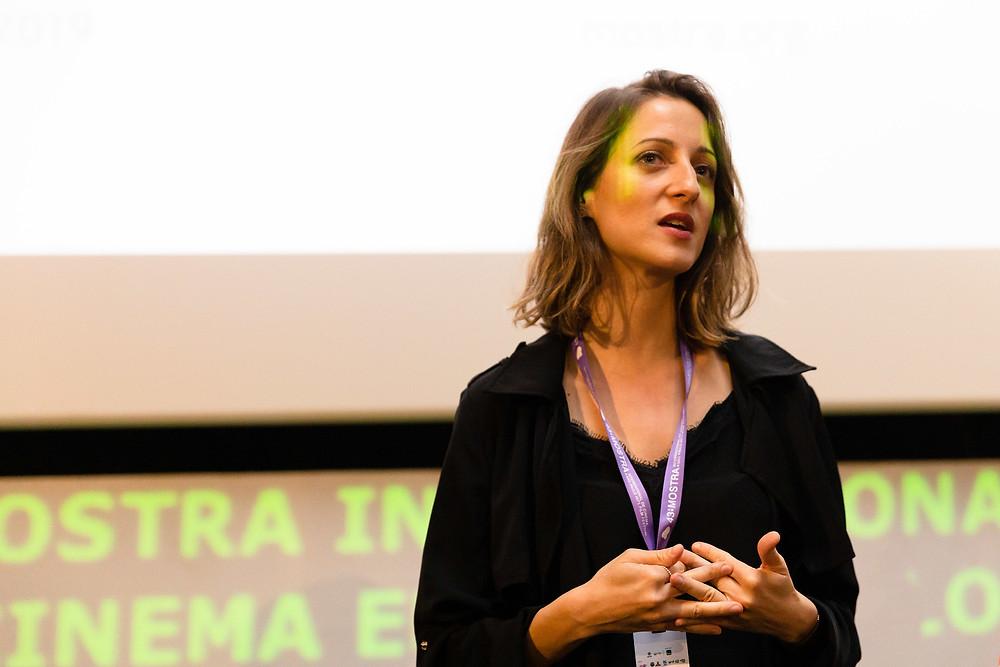 A cineasta sérvia Maša Neškovic, cujo primeiro longa Assimetria (2019) está na programação da 43ª Mostra | Foto: Divulgação (ABMIC)