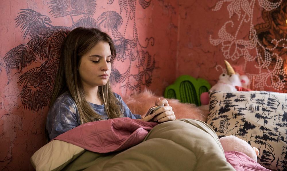 Sophia Valverde em cena do filme infanto-juvenil brasileiro A Garota Invisível (2020), de Mauricio Eça | Foto: Divulgação (Synapse Distribution / Créditos: Stella Carvalho)