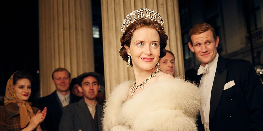 Claire Foy e Matt Smith em cena da série The Crown (2016) | Foto: Divulgação
