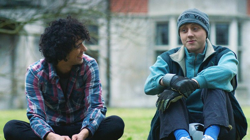 Dermot Murphy e Jacob McCarthy em ceno do filme irlandês O Baterista e o Goleiro (2018) | Foto: Divulgação