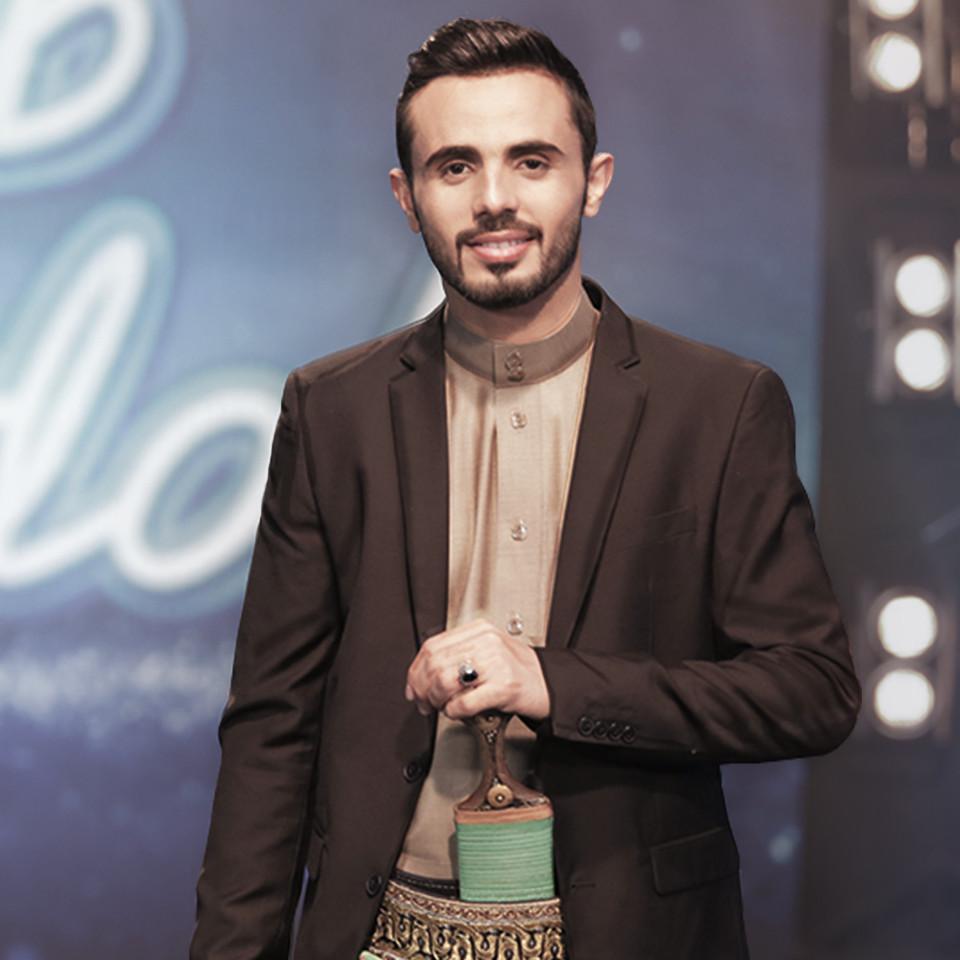 O cantor iemenita Ammar Alazaki, no Arab Idol de 2016, do qual ele foi finalista
