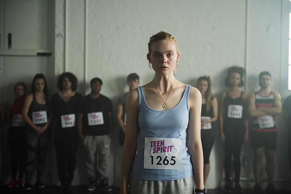 Elle Fanning em cena do filme musical Espírito Jovem (2018) | Foto: Divulgação (Diamond Films)