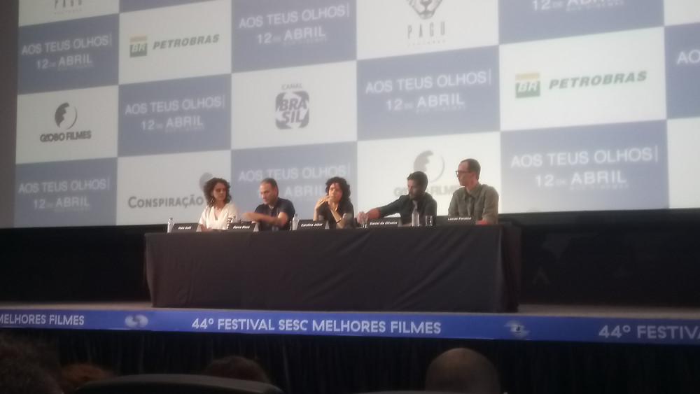 Malu Galli, Marco Ricca, Carolina Jabor, Daniel de Oliveira e Lucas Paraizo na coletiva de imprensa do filme Aos Teus Olhos, em São Paulo (Foto: Nayara Reynaud)