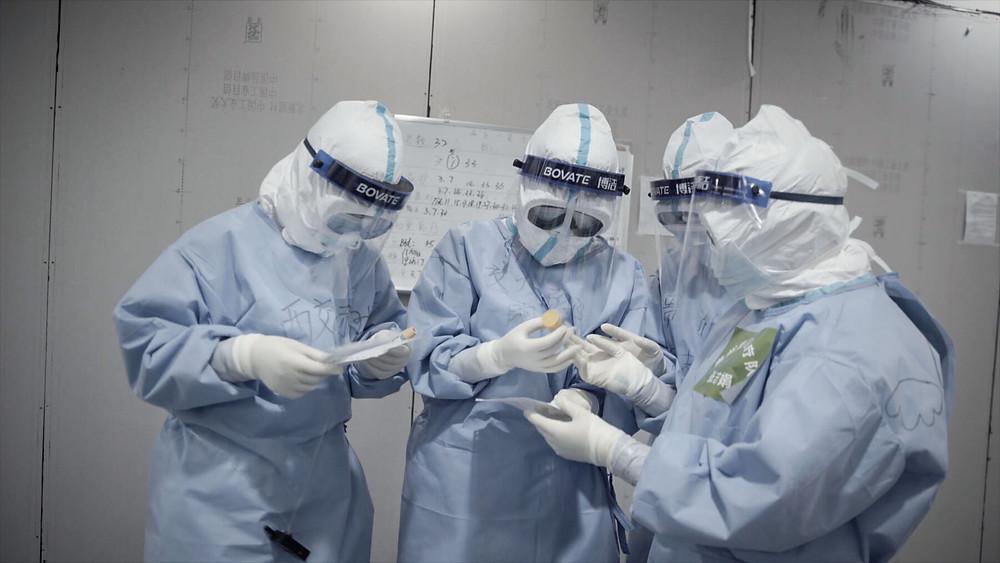 Cena do filme Coronation (2020), documentário sobre a pandemia de Cronavírus (Covid-19) dirigido pelo artista chinês de Ai Weiwei | Foto: Divulgação (Mostra Internacional de Cinema em São Paulo)