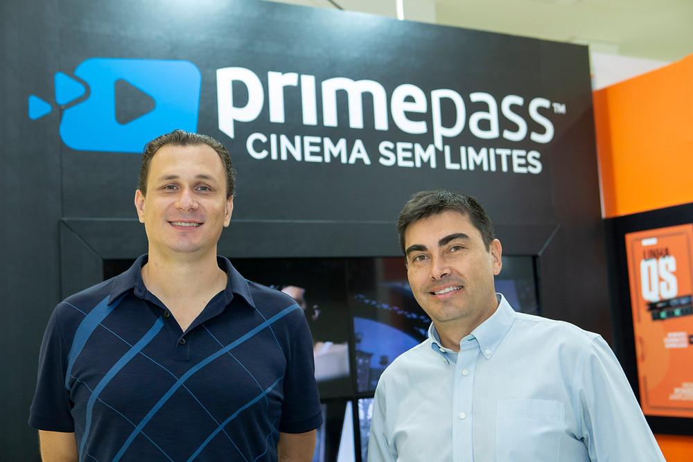 O gerente e o CEO da Primepass, Wellington Silva e Juan Balmaceda, respectivamente, no estande da empresa na Expocine18 | Foto: Divulgação (Expocine)