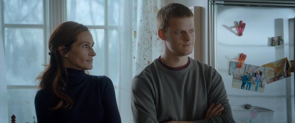 Julia Roberts e Lucas Hedges em cena do filme O Retorno de Ben (Ben Is Back, 2018) | Foto: Divulgação (Diamond Films)