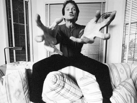 ROBIN WILLIAMS: ENTRE NA MINHA MENTE | O vício pelo riso não decifrado