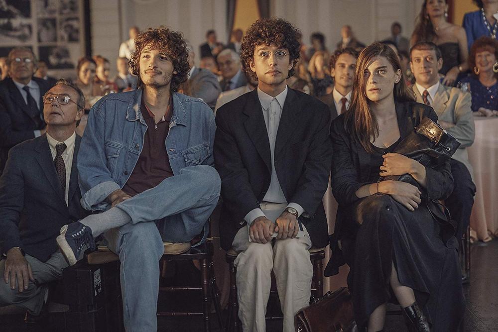 Giovanni Toscano, Mauro Lamantia e Irene Vetere em cena do filme italiano Noite Mágica (2018) | Foto: Divulgação