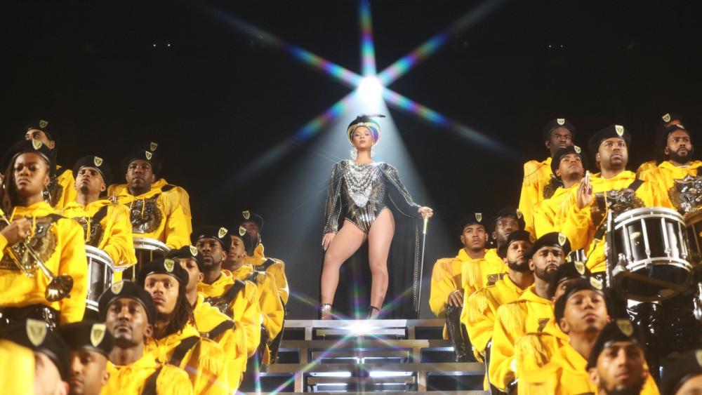 Beyoncé e a banda em cena do especial Homecoming: A Film by Beyoncé (2019) | Foto: Divulgação