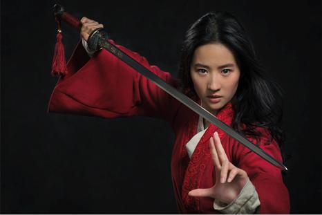 A atriz Liu Yifei como a Mulan na primeira imagem do filme live action de 2020 | Foto: Divulgação (Walt Disney)