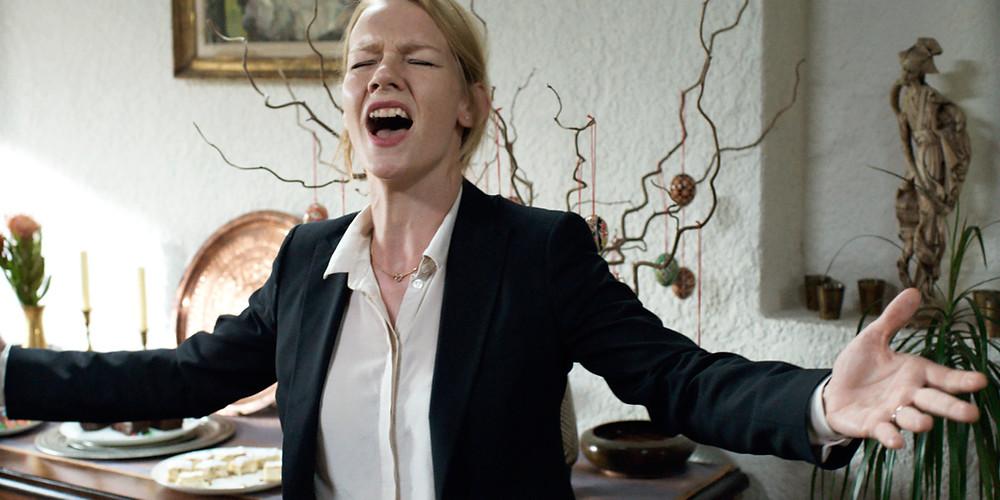 Sandra Hüller em cena do filme alemão Toni Erdmann (2016) | Foto: Divulgação (Sony Pictures)