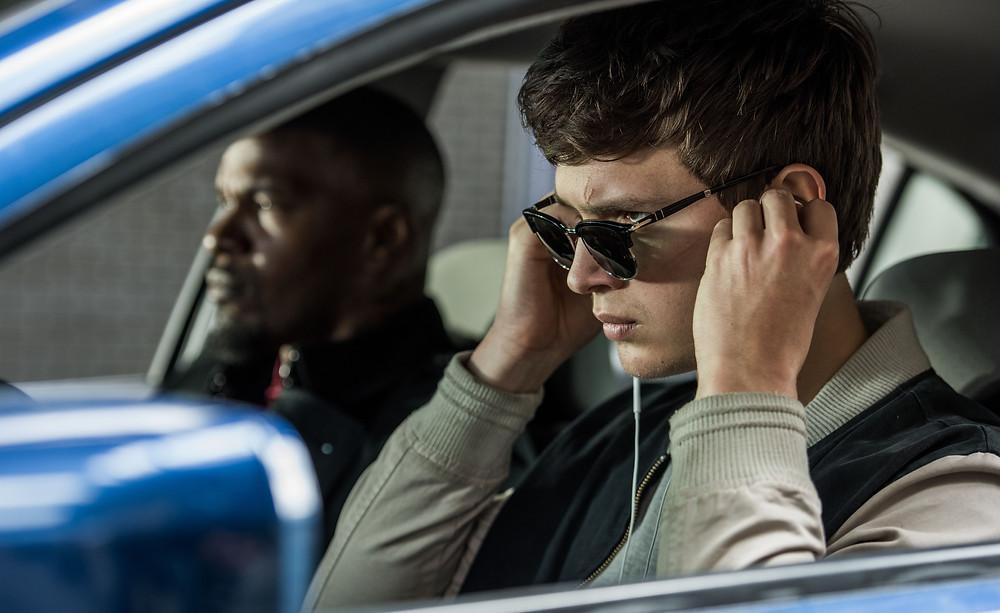 Ansel Elgort e Jamie Foxx em cena do filme Em Ritmo de Fuga (Baby Driver, 2017) | Foto: Divulgação (Sony Pictures)