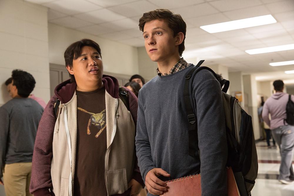 Jacob Batalon e Tom Holland em cena do filme Homem-Aranha: De Volta ao Lar (2017) | Foto: Divulgação (Sony Pictures)