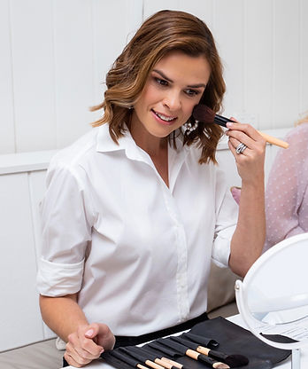 Lady doing an in-person makeup lessons in Brisbane